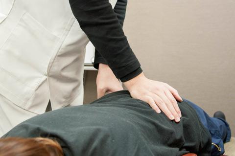 ほのぼの鍼灸接骨院の骨盤矯正